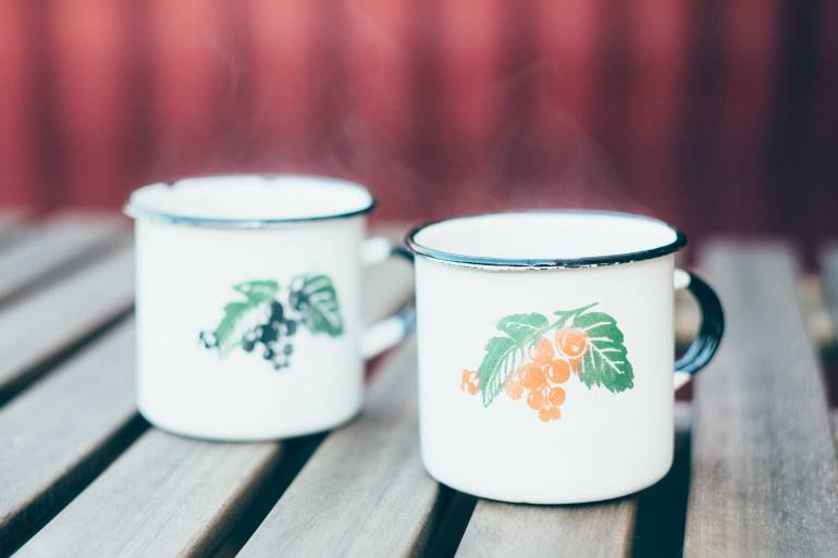 Hot punch in vintage mugs