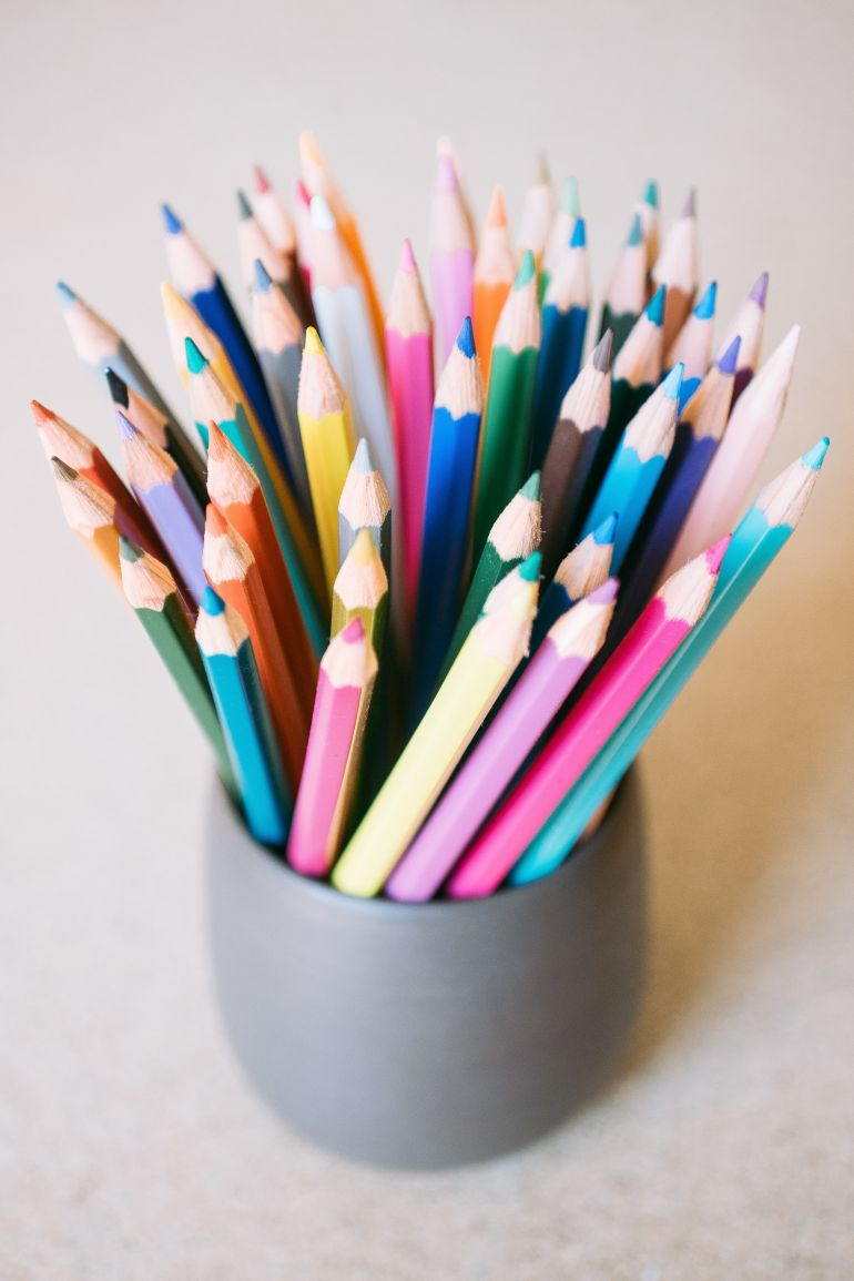 Color pencils in the cup